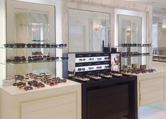 有名ブランドを取り揃えております。取扱いブランド:BVLGARI,GUCCI,Dior,Saint-Laurent